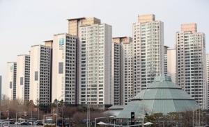 서울 집값 양극화…비싼 집이 6배 더 올랐다