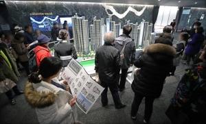 '강남 로또 아파트' 포기·연체 속출···현금 부자들은 잔치