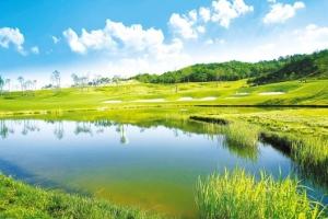 스페인풍 고급 프라이빗 타운하우스…낮엔 골프 라운딩, 밤엔 편안한 휴식