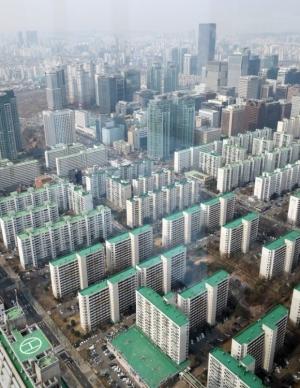 수도권 아파트값 상승세 '일단 멈춤'…거래 줄고 매물 적체